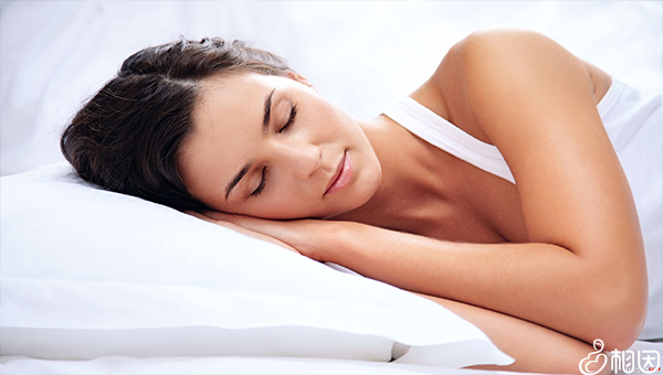 充足的睡眠有助于取卵后卵巢恢复