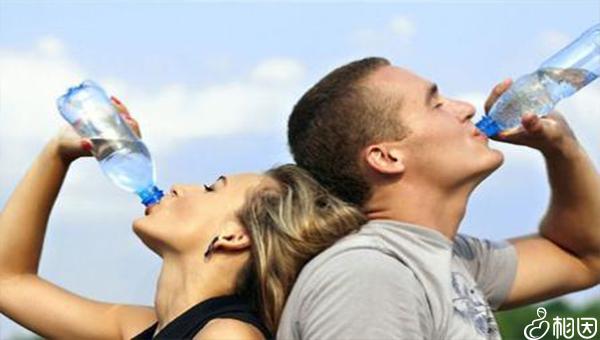 肾功能检查前大量喝水会影响结果