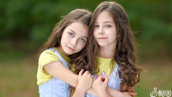 怀双胞胎可能是遗传导致的