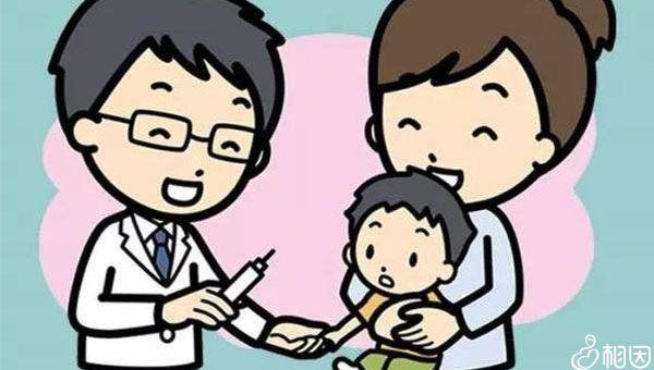 小孩在接种流感疫苗