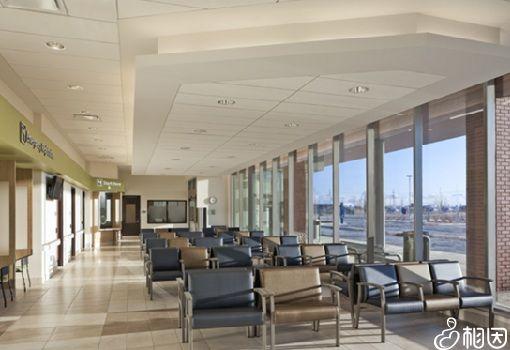 现代化的候诊大厅