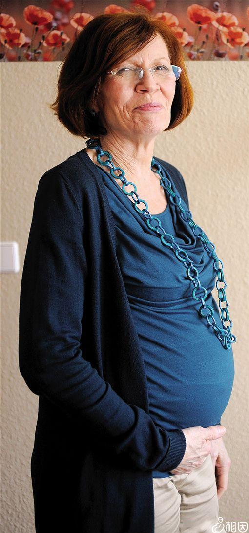 德国65岁老妇生下四胞胎