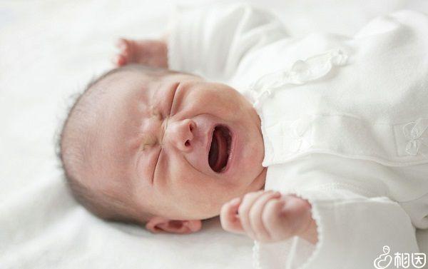 宝宝哭闹不止