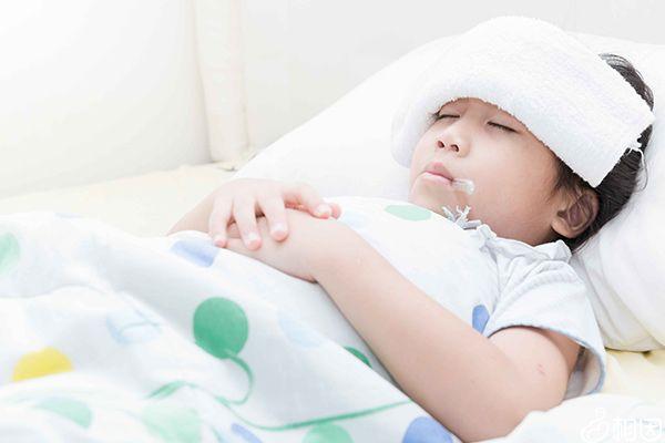 发烧中的孩子