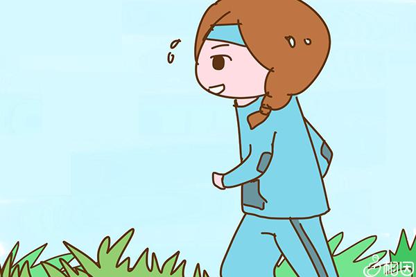 女性在跑步