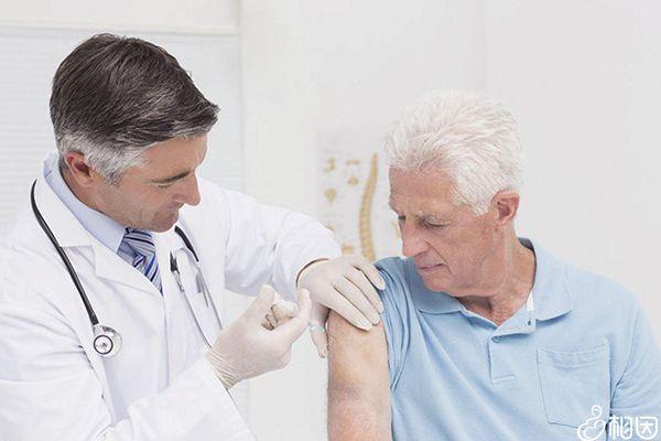 老人也应该接种疫苗