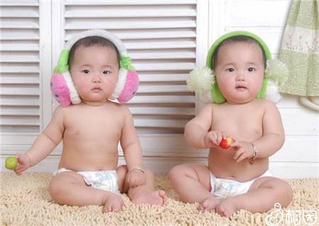 生双胞胎不能盲从